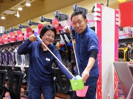 コツコツ作業が得意な方におすすめ!閉店後のパチンコ店で掃除のお仕事。経験がない方も大歓迎